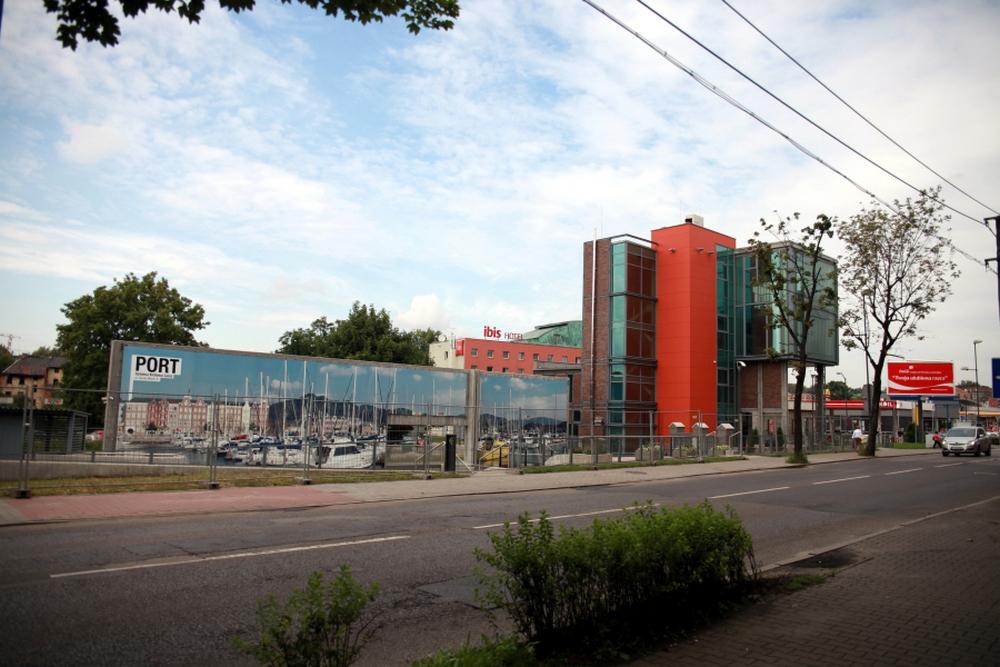 Ukończony wylot Sztolni i budynek obsługi turystów<p alt=
